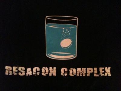 Camiseta real que me regalé para esos días de resaca.