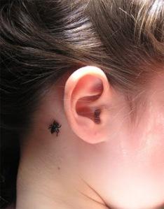 Luego llegará un mosca de verdad e intentará copular con tu tatto